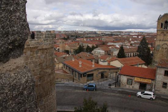 Hotel Las Murallas: Hotel visto desde las murallas