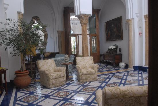 Hotel Palumbo Palazzo Confalone: lobby