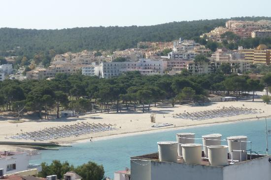 Vista Club Apartments: View of Santa Ponsa Beach from Apartment Balcony