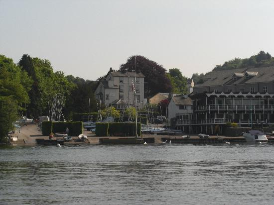 New hall bank updated 2018 b b reviews price comparison bowness on windermere lake for Hotels in lake windermere with swimming pool
