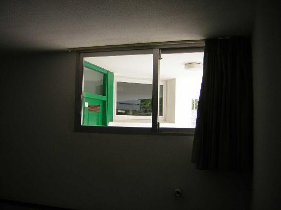 Maba Playa Apartments: Blick ins Bad des Nachbarn!
