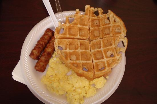 Country Inn & Suites By Carlson, Bradenton at I-75: Country Inn Bradenton - Hot Breakfast