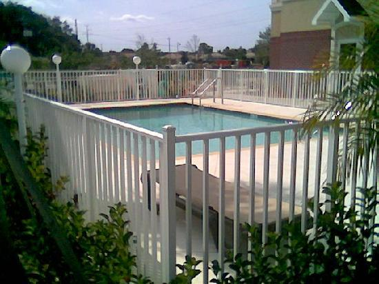 Country Inn & Suites By Carlson, Bradenton at I-75: Country Inn Bradenton - Outdoor Pool