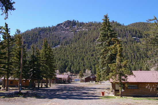 Snowy Pine Cabins & RV: Looking at Site