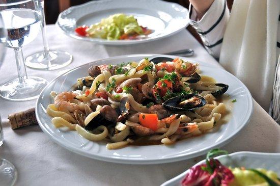Ristorante da Costantino: scialatiella con fruitti di mare