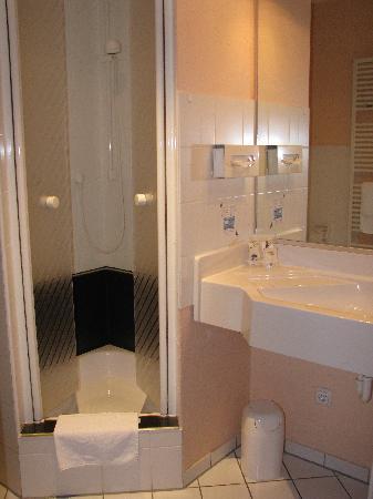 Altstadthotel: Bathroom