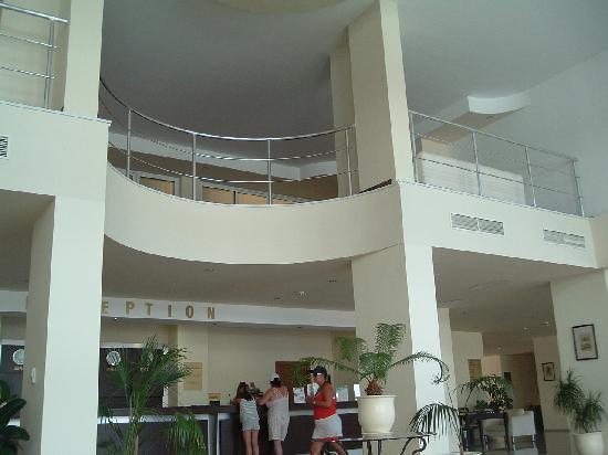 Sun Palace: The Lavish reception area