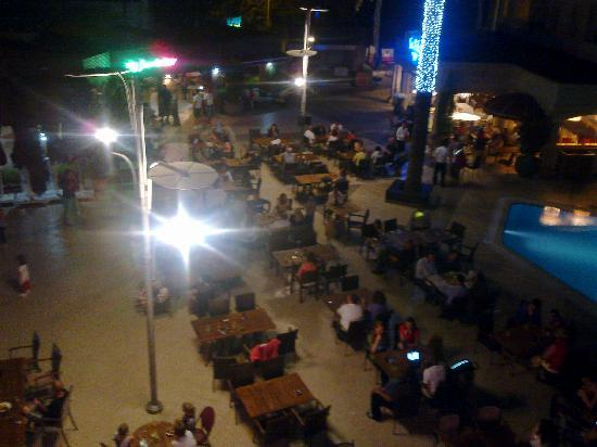 Grand Cettia Otel: Gorgeous open dining area