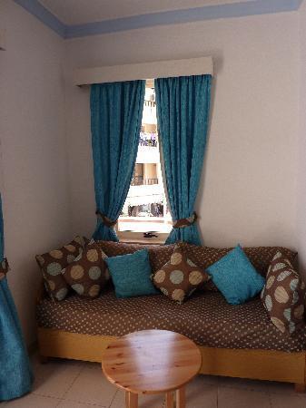 Park Lane Aparthotel: Living room