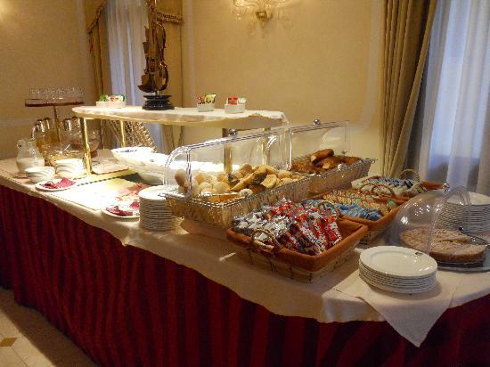 Hotel a La Commedia: Breakfast Buffet