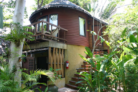 Saffron on the Sea : our room (upstairs) in a lush tropical garden