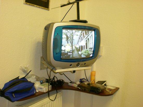 Annexe Hotel: tv
