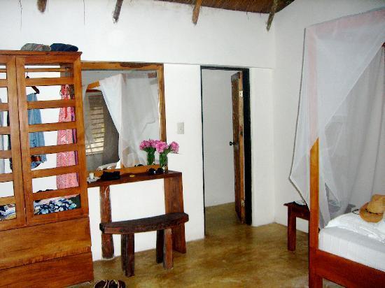 Casa Violeta: inside cabana Rosa Nautica