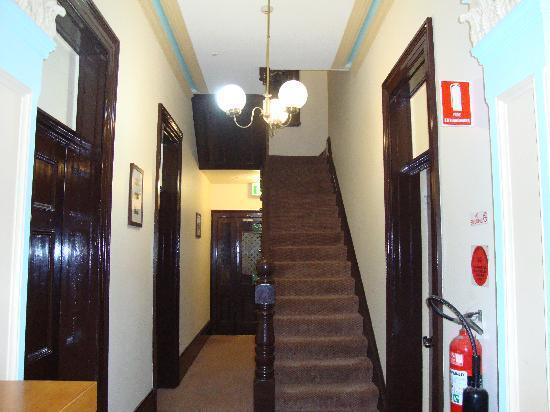 Randwick Lodge: hallway