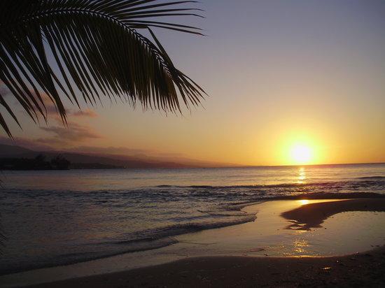 Couples Sans Souci: sunset at san souci