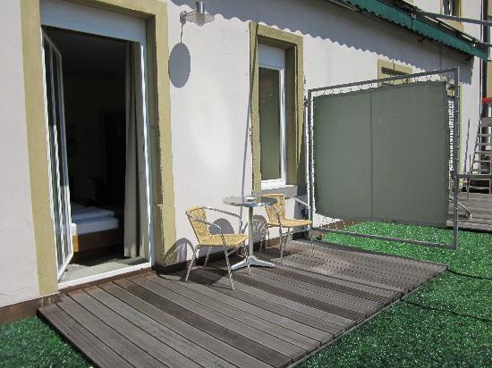 Hotel Weisses Kreuz : Back Patio - Room 108