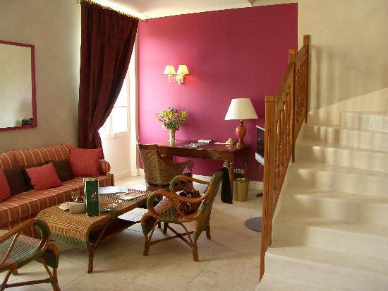 Chateau de Montcaud : Le salon de la chambre (duplex)