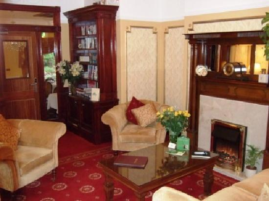 Moss Lodge : Guest Lounges