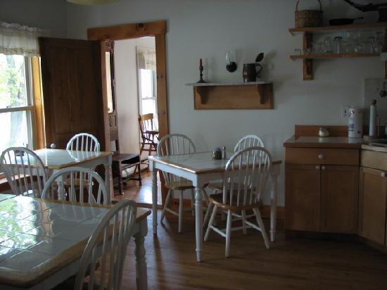 Village Inn of East Burke: The Kitchen