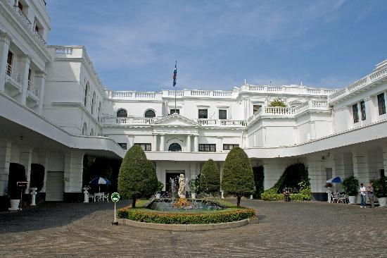 Dehiwala-Mount Lavinia, Sri Lanka : Hotel Front