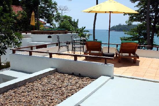 Villa Elisabeth: Top sundeck overlooking Kata Bay