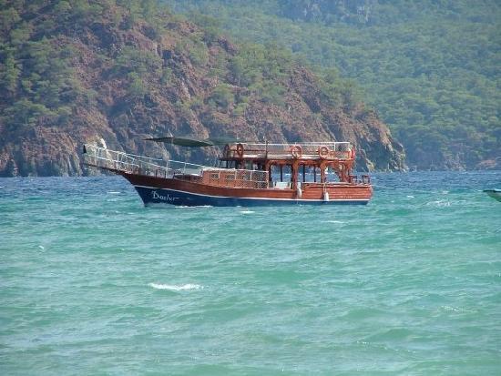 Mithat Motel : Ali's boat