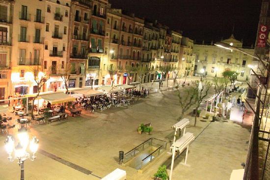 Hotel Placa de la Font: Placa de la Font view from balcony