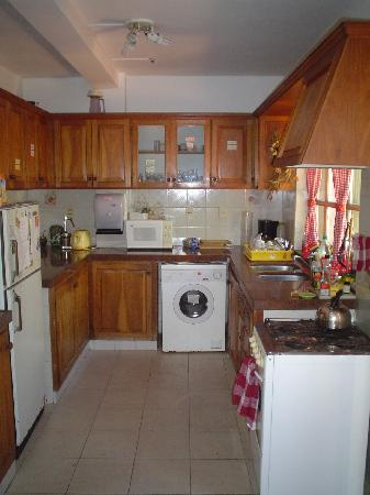 Centro de Enseñanza de Español La Herradura: Our kitchen is big and fully-equipped