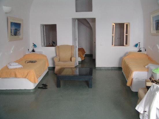 Cliff Side Suites: bedroom