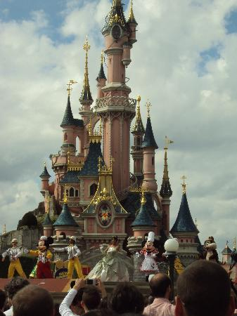 Disneyland Park: new generation festival