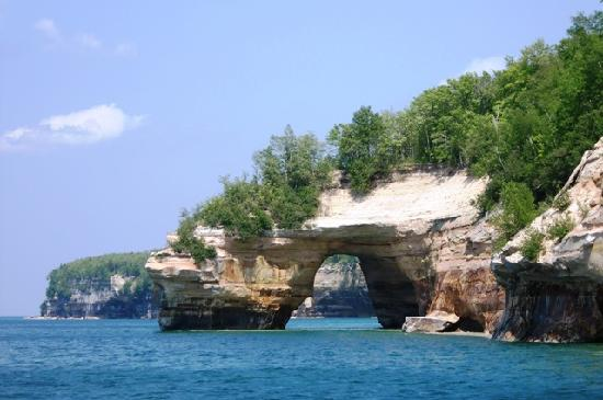 Terrace Motel : View of arch from Pictured Rock Cruises boat