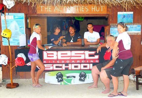 LEK Aitutaki: The LEK headquaters, right on Aitutaki Lagoon!