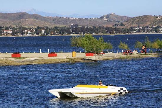Lake Elsinore West Marina & RV Resort: The largest freshwater lake in Southern California