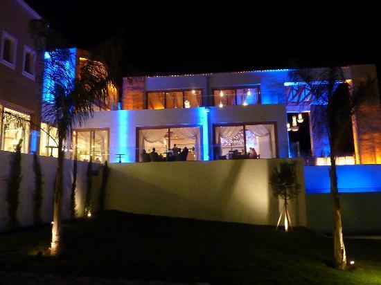 Mitsis Blue Domes Resort & Spa: Hotel at night