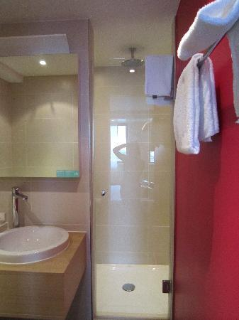 Mercure Hotel Amsterdam City: shower