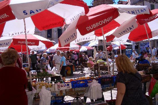 Apartments Placa Dubrovnik: Gundulic Square market