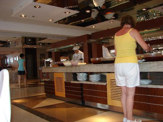 Royal Asarlik Beach: Buffet Area