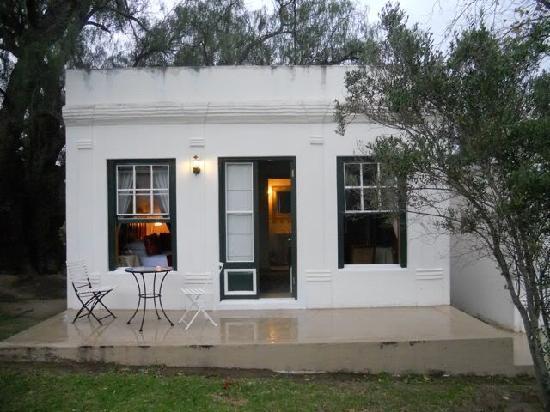 Roosje van de Kaap: The exterior of our room
