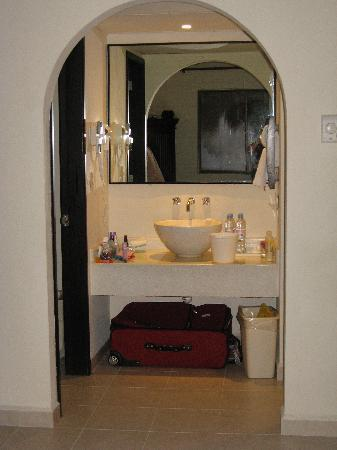 Allegro Cozumel: Bathroom area