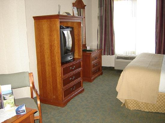 Holiday Inn Express & Suites Jacksonville Airport: Zimmer