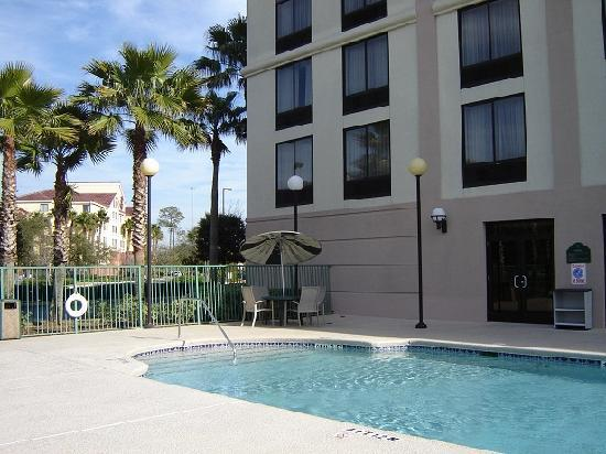 Holiday Inn Express & Suites Jacksonville Airport: Außenpool