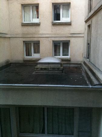 Hotel Les Jardins du Marais: garden view - not