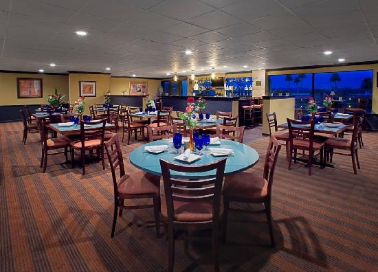 Embassy Suites by Hilton Phoenix Airport: Squaw Peak Cafe