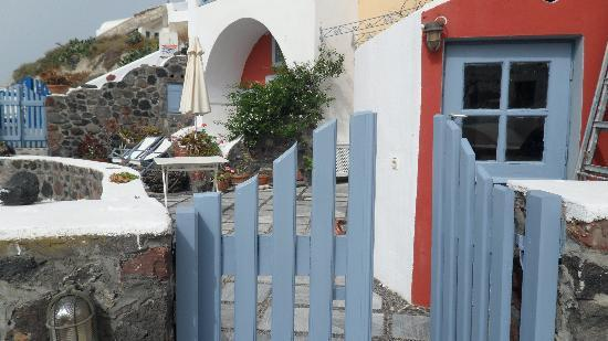 Lava Oia's: Gate on our balcony