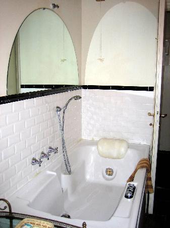 Relais Grand Tour : Bathroom in Mirrors Suite