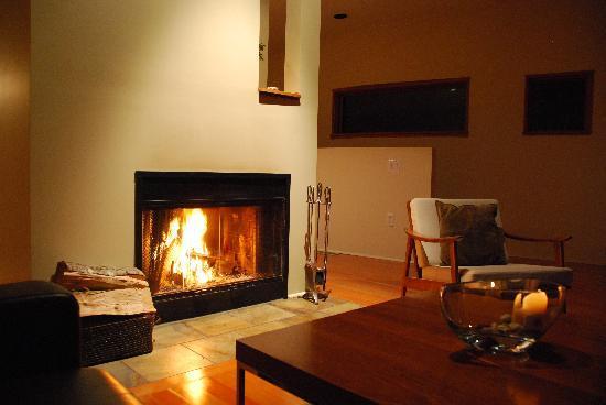 Hyphocus Inn: Living Area of the Room