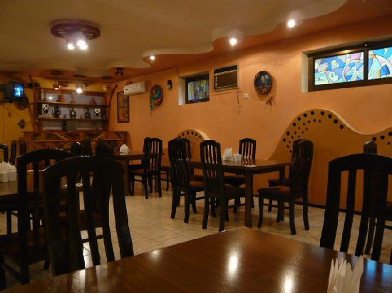 Rovshan-Tashkent Hotel : 朝食を食べるレストラン