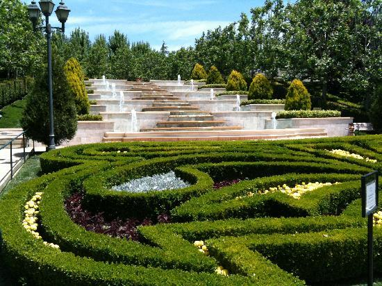 The Gardens of the World: Entrance garden