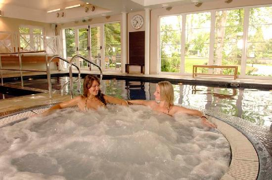 Auchterarder, UK: leisure centre with indoor pool, Jacuzzi and sauna