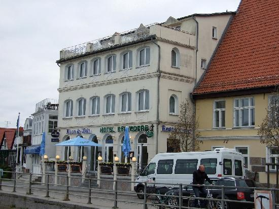 Hotel Belvedere: Schöne Lage am alten Strom
